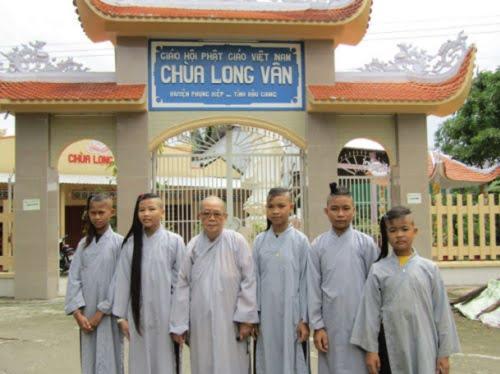 Tap chi nghien cuu phat hoc So thang 7.2017 Tam long nhan ai cua Ni su Thich Nu Ngo Hong 3